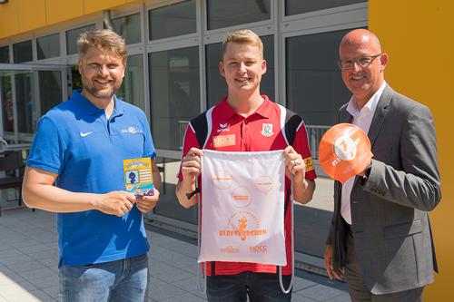Elbferdchen_(v. l. n. r.) Mario Middendorf, Geschäftsführer aktiVaria GmbH; Rob Muffels, SC Magdeburg; Guido Nienhaus, Geschäftsführer MDCC Magdeburg-City-Com GmbH_062020